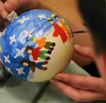 Warsztaty dla dzieci - malowanie bombek