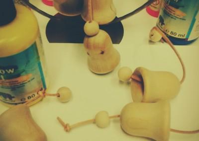 Malowanie drewnianych dzwoneczków